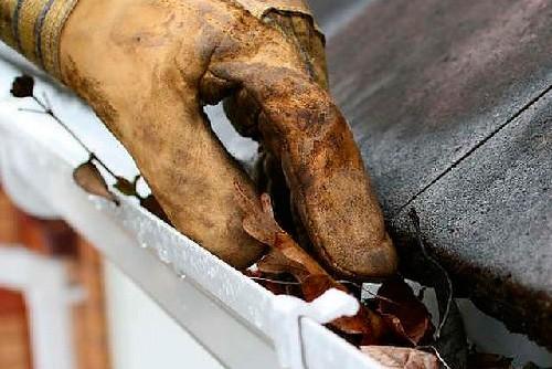 Limpeza e desentupimento de Calhas